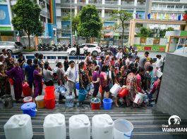"""Dân thành thị đau đầu với câu hỏi mỗi ngày """"uống bao nhiêu nước là đủ?"""