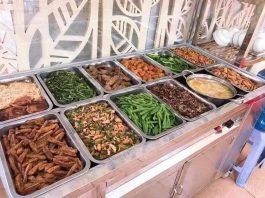 Đồ ăn miễn phí, giá rẻ hỗ trợ người nghèo tại TPHCM